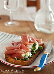 Thumbnail image for Bruschetta with Arugula Pesto